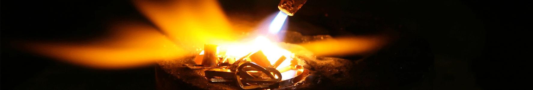 fiamma ossidrica lavora metalli