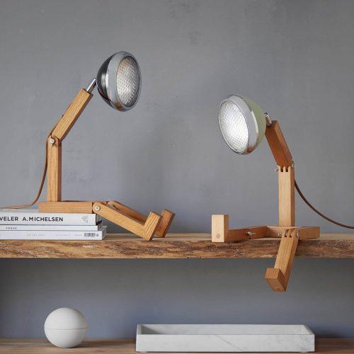 lampada Mr Wattson Piffany in legno di frassino per interni e faro Vespa 1946